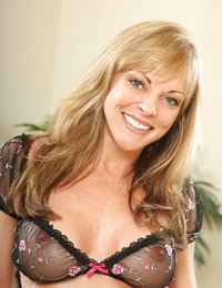 Lovely cougar Shayla Laveaux..